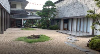 ホテル鷺の湯中庭