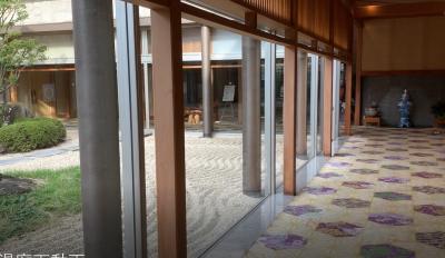 鷺の湯廊下と中庭